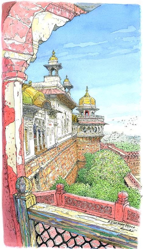 巨大な石の門をくぐりアグラ城に入ると、陽射しを浴びて赤い石の城壁が美しく輝いていました。 対岸のタージマハルの硬質な美しさとは対象的な、温かみのある柔らかい色に惹かれました。スケッチ終盤霧が晴れ、遠くの森や鉄橋が見えてきて描き加えました。