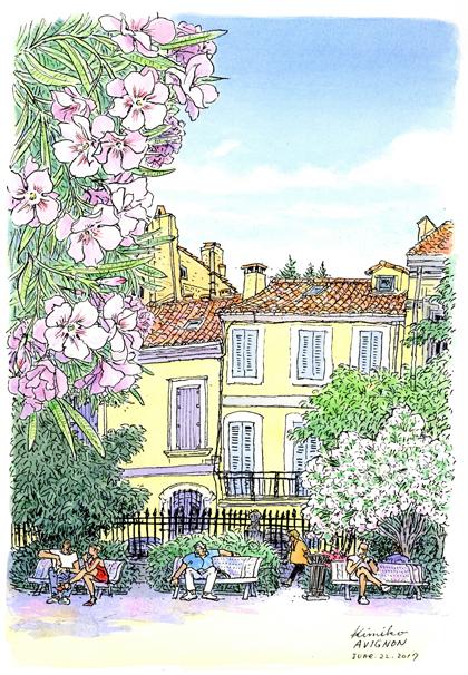 アビニョンの大通り脇の公園には、街の喧騒を逃れた人が木陰で休んでいます。見上げる様な夾竹桃のピンクの花の下から向いのベンチをスケッチしました。